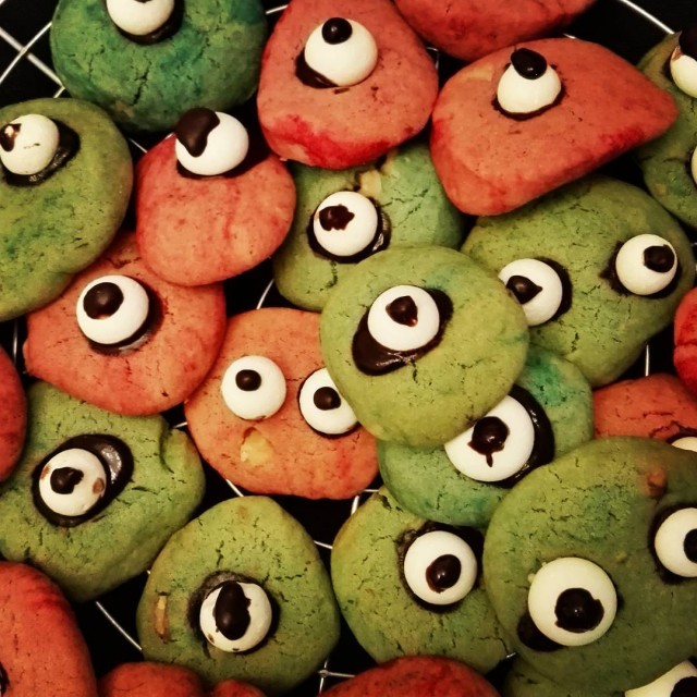 Miam miam miam ! Des cookies monstres !!! halloween cookieshellip