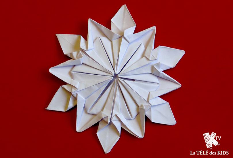 flocon origami d co no l la t l des kids. Black Bedroom Furniture Sets. Home Design Ideas